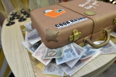 Праздничный торт с логотипом КПК СВОЯ Казна