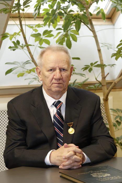 Шевелев Леонид Николаевич