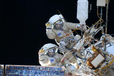 Алексей Овчинин и Олег Кононенко совершили выход в открытый космос