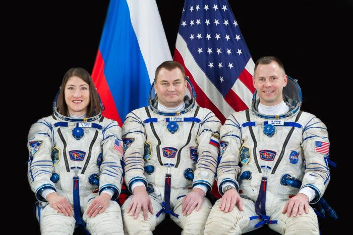 Экипаж-ТПК-Союз-МС-12-Кристина-Кук-Алексей-Овчинин-и-Ник-Хейг.
